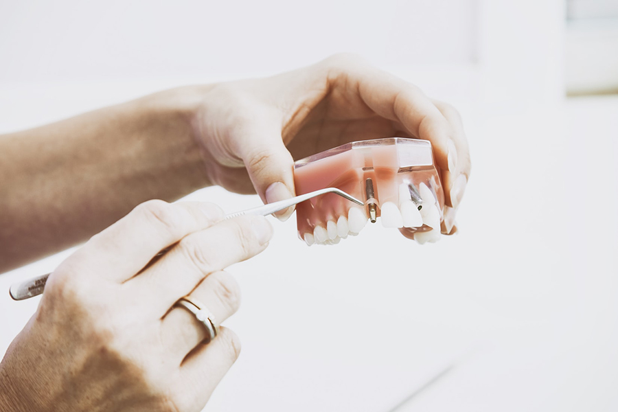 Private Dental Practice or Corporate Dental Offices? Which to Choose