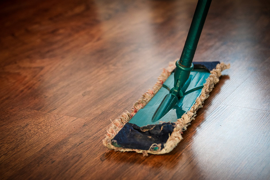 How to start a carpet cleaning business (What you need to know)