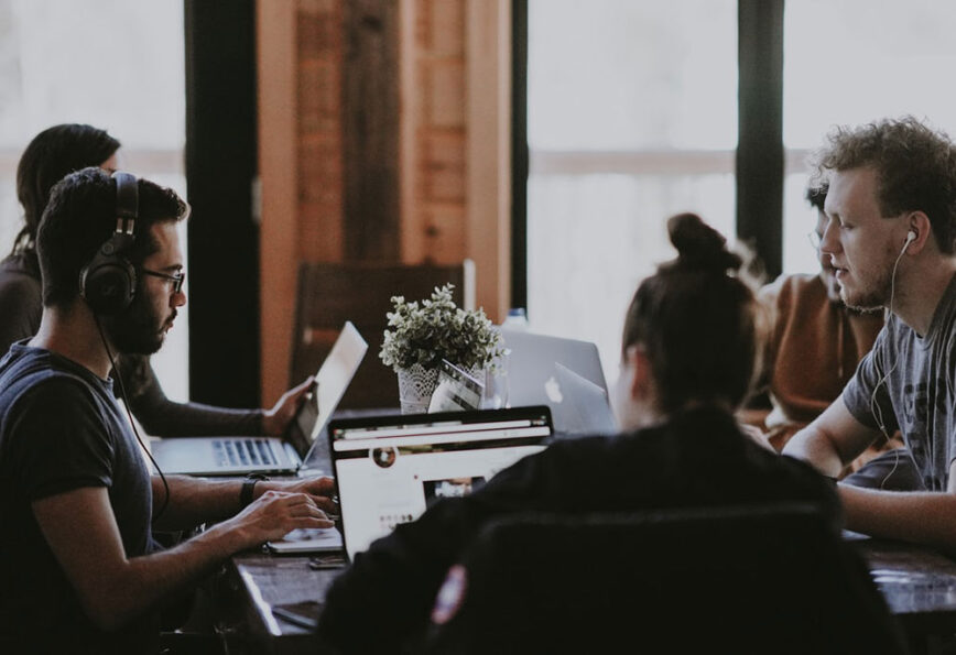 The Best Team Management Applications for Small Businesses