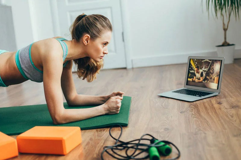 Conduct Online Fitness Challenges