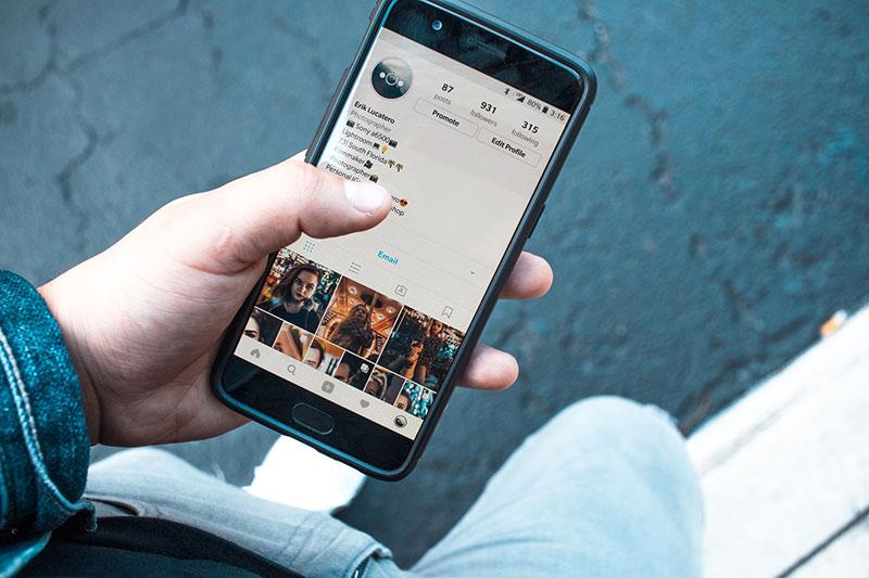 Promote Photographs On Social Media
